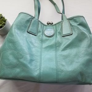 ❣Coach Kiss-Lock Teal Shoulder Purse ❣